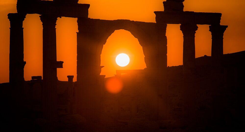 Ruinas de Palmira bañadas en la luz del sol
