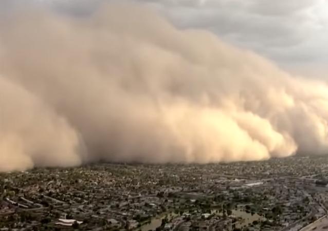Una terrorífica tormenta de polvo azota la ciudad estadounidense de Phoenix