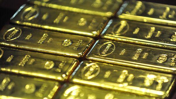 Producción de lingotes de oro en Rusia (archivo) - Sputnik Mundo