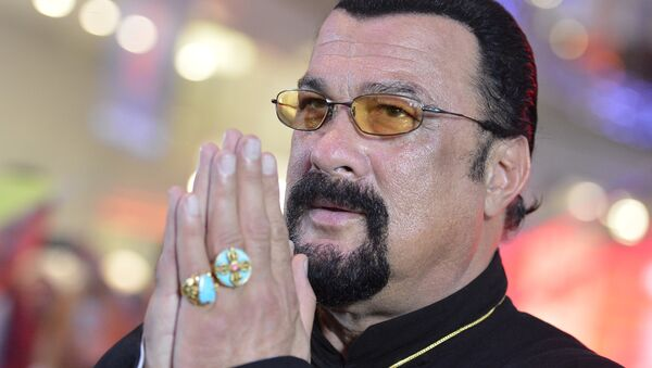 American actor, film producer and scriptwriter, martial artist and musician Steven Seagal at Moscow's Alley of Glory (File) - Sputnik Mundo