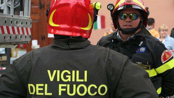 Bomberos italianos (imagen referencial) - Sputnik Mundo