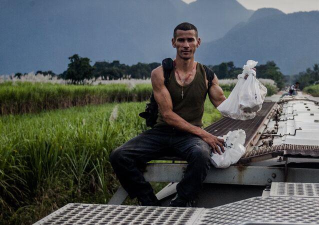 Uno de los pocos migrantes que todavía viaja en La Bestia