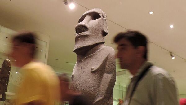 Estatua de Isla de Pascua en el Museo Británico de Londres - Sputnik Mundo