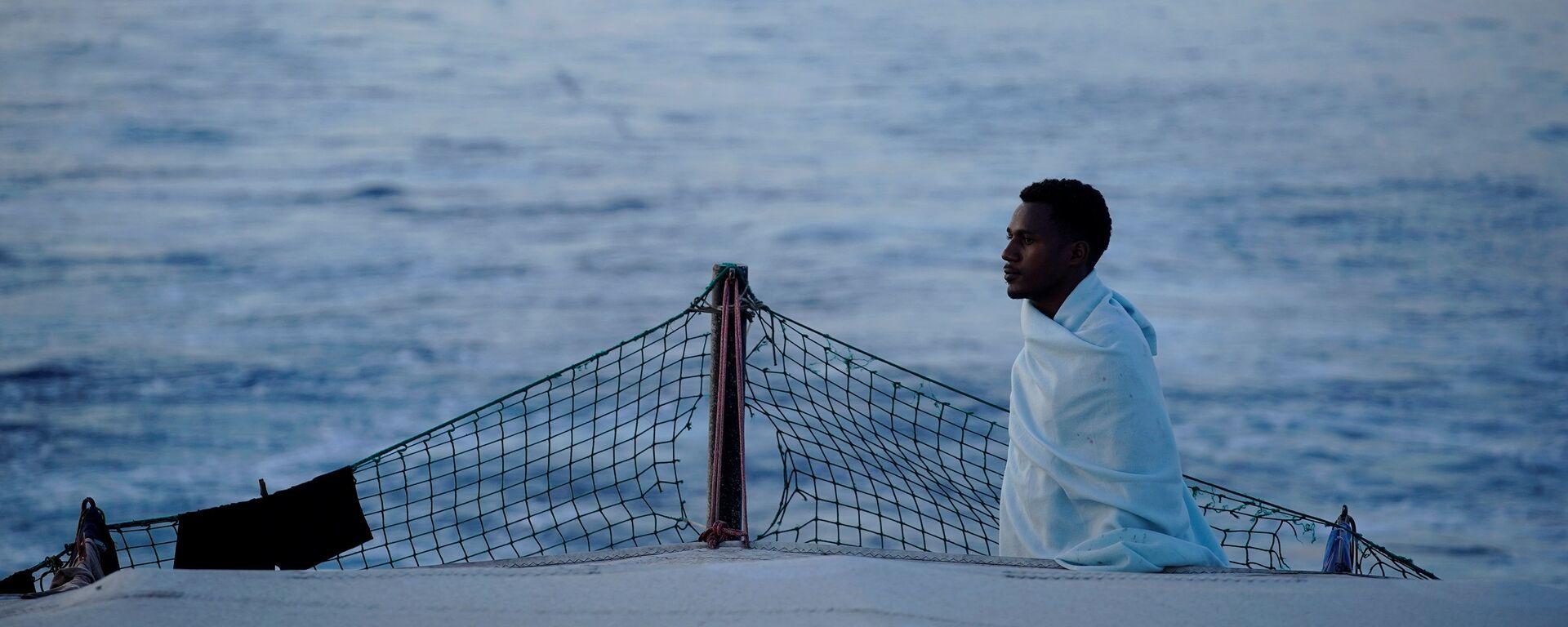 Los migrantes en el barco de la ONG Open Arms en Mediterráneo - Sputnik Mundo, 1920, 07.08.2018