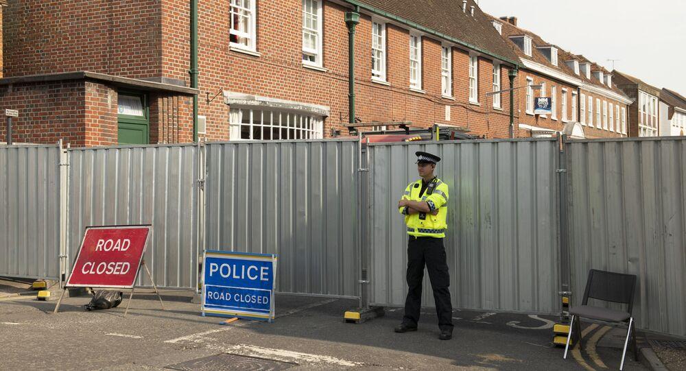 Policía británica en Amesbury, el Reino Unido