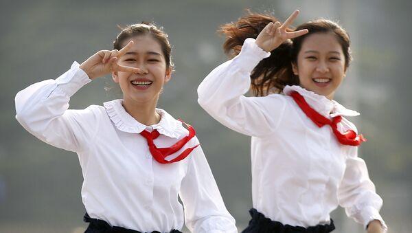 Adolescentes chinas, foto de archivo - Sputnik Mundo