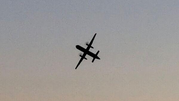El avión de pasajeros secuestrado en el aeropuerto de Seattle - Sputnik Mundo