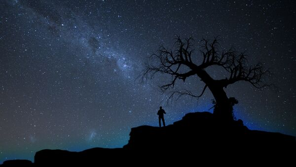 Cielo nocturno, imagen referencial - Sputnik Mundo