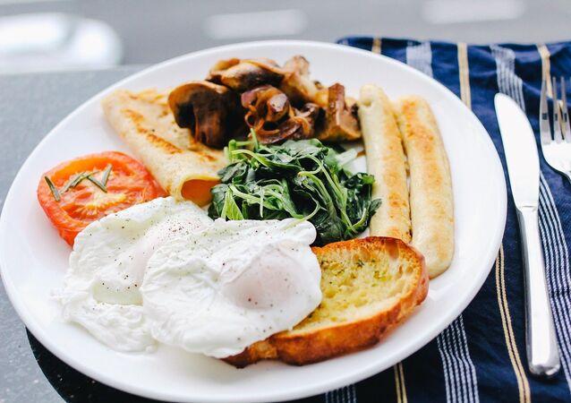 Un desayuno, referencial