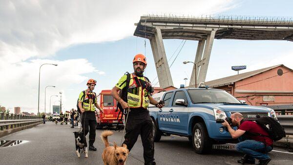 El puente colapsado Morandi, en Génova. - Sputnik Mundo