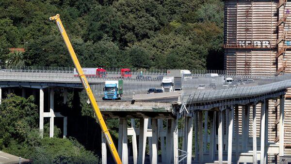 El puente colapsado Morandi, en Génova, Italia - Sputnik Mundo