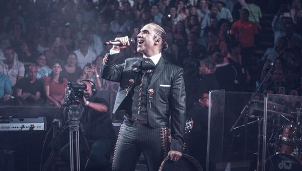Alejandre Fernández, cantante mexicano - Sputnik Mundo