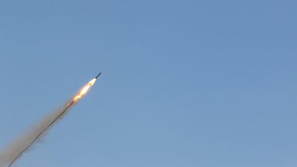 Un misil - Sputnik Mundo