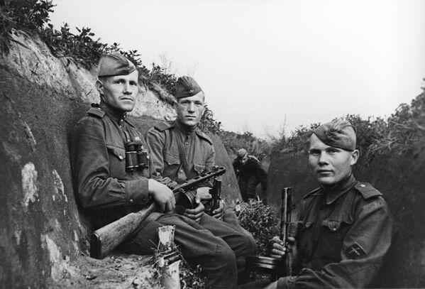 Comandantes de la infantería mecanizada durante la batalla de Kursk (4 de julio de 1943) - Sputnik Mundo