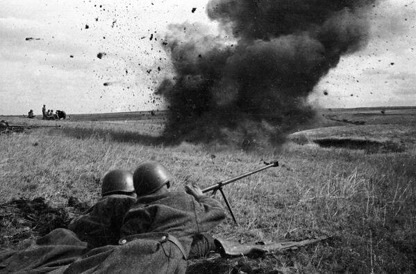 Destacamento soviético antiblindados durante la batalla de Kursk (18 de agosto de 1943) - Sputnik Mundo