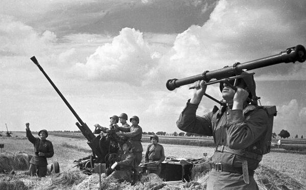 Unidad antiaérea durante la batalla de Kursk (9 de agosto de 1943) - Sputnik Mundo
