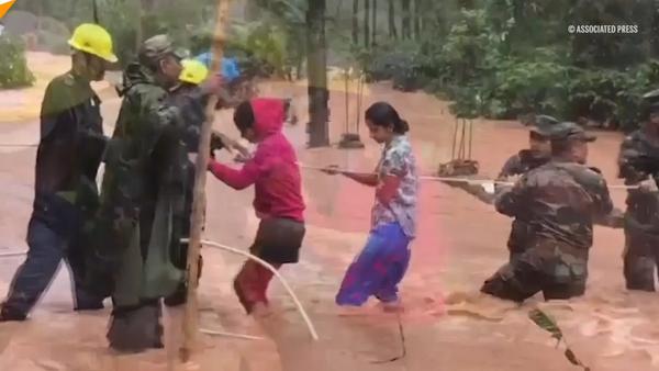 India sufre de lo que llaman la inundación más grande del siglo - Sputnik Mundo