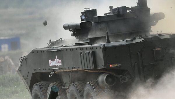 Vehículo blindado ruso (archivo) - Sputnik Mundo