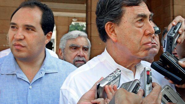 Lázaro Cárdenas Batel con su padre Cuauhtémoc Cárdenas - Sputnik Mundo