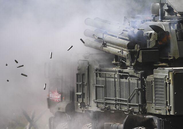 Sistema de misiles y de armas de artillería antiaérea Pantsir-S1