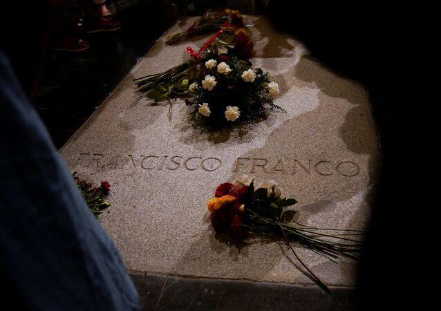 La tumba del dictador español Francisco Franco en El Valle de los Caídos, España
