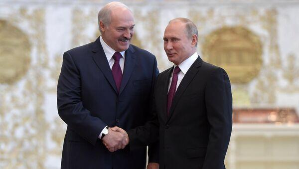 Presidente de Bielorrusia, Alexandr Lukashenko, y presidente de Rusia, Vladímir Putin (Archivo) - Sputnik Mundo
