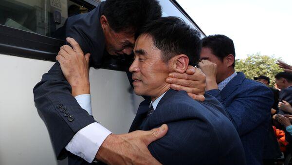 Encuentro de familiares coreanos - Sputnik Mundo