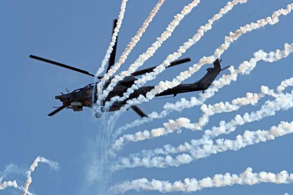 El arte de la guerra y la industria militar, en las fotos de Army 2018 - Sputnik Mundo