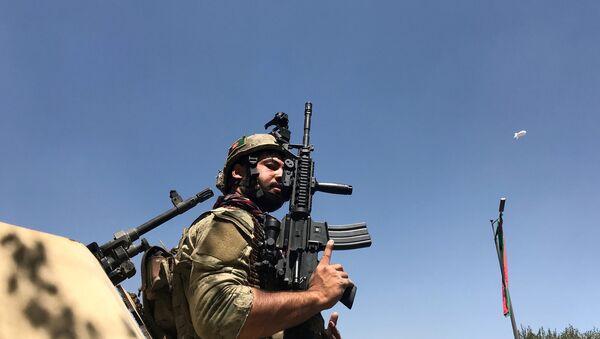 Un militar afgano - Sputnik Mundo