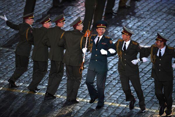 Así culminó el Festival Internacional de Música Militar Torre Spásskaya - Sputnik Mundo