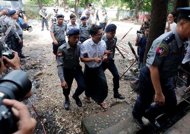 Periodistas de Reuters, condenados a siete años de prisión
