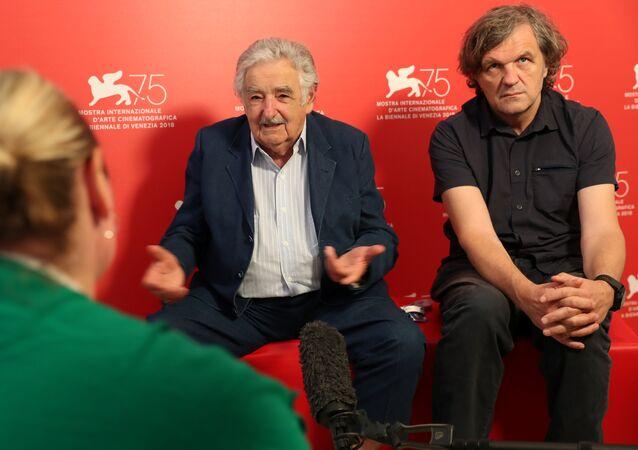 José Mujica, expresidente de Uruguay y Emir Kusturica, director de cine y músico serbio