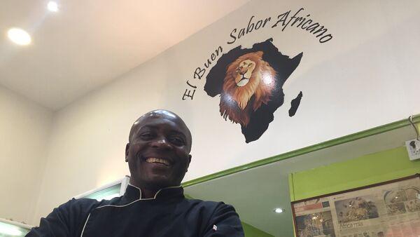 Chef Maxime Tankouo, de El Buen Sabor Africano, restaurante camerunés en Buenos Aires - Sputnik Mundo