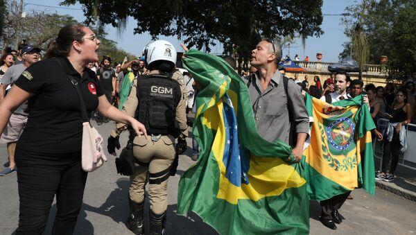 Protesta en Río de Janeiro tras incendio del Museo Nacional - Sputnik Mundo