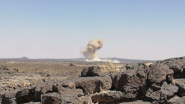La Fuerza Aérea siria ataca a los terroristas en Idlib - Sputnik Mundo