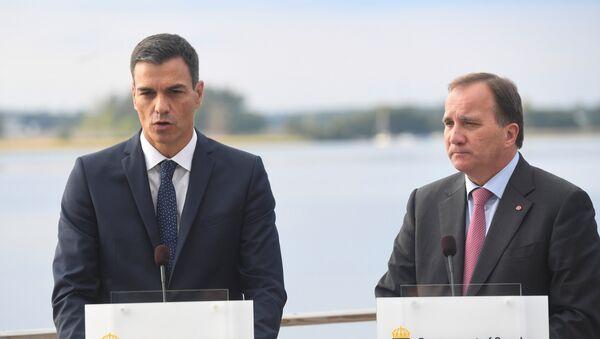 El presidente del Gobierno español, Pedro Sánchez, y el primer ministro sueco, Stefan Lofven - Sputnik Mundo