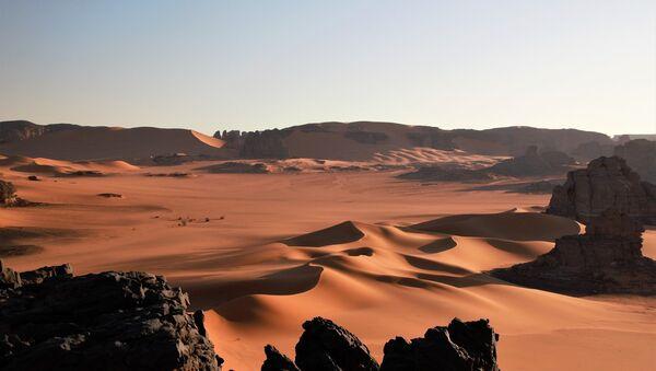 El desierto del Sahara (imagen ilustrativa) - Sputnik Mundo