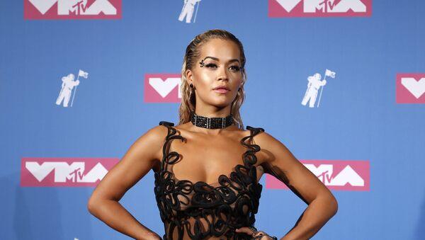 La cantante británica Rita Ora - Sputnik Mundo