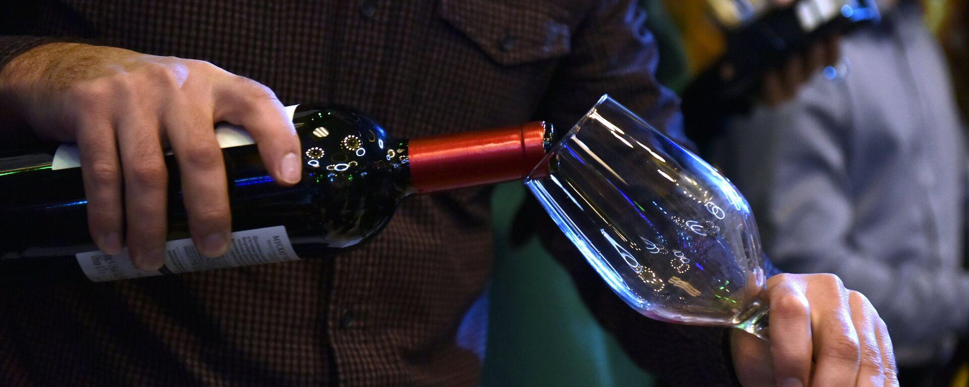 Consumo de vino (imagen referencial) - Sputnik Mundo, 1920, 19.04.2021