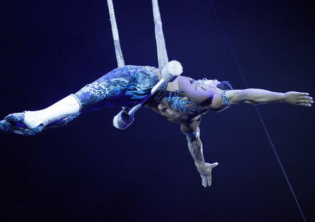 Deyvi Franco, trapecista peruano, durante el Festival Internacional de Arte Circense Idol