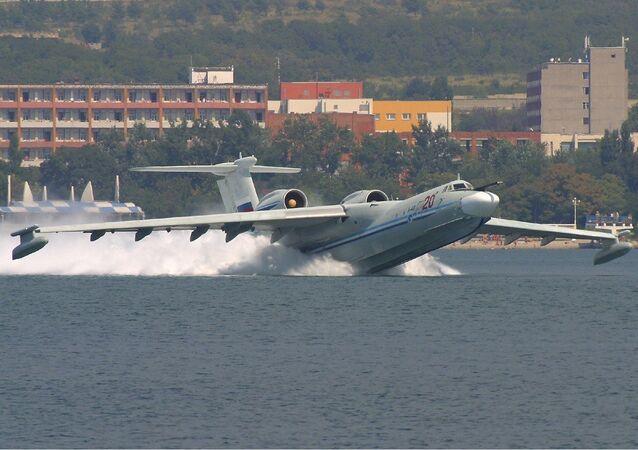 Avión anfibio ruso A-40