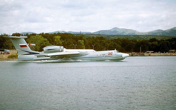 Avión anfibio antisubmarinos A-40 - Sputnik Mundo