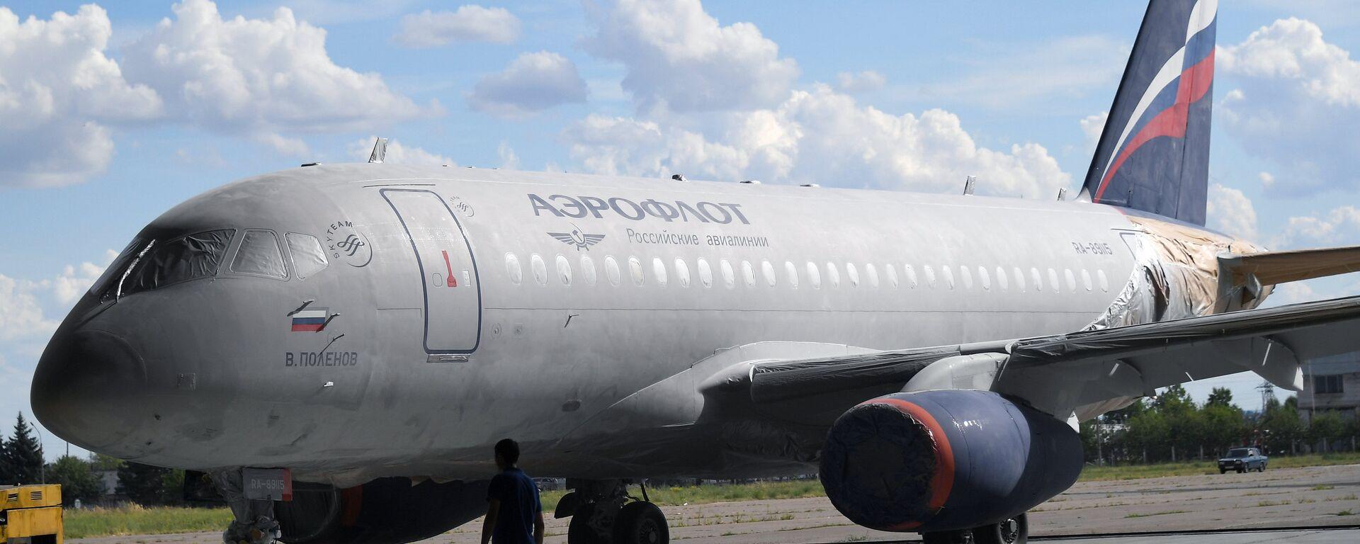 El avión Sukhoi SuperJet 100 en aerolínea Aeroflot - Sputnik Mundo, 1920, 29.01.2021