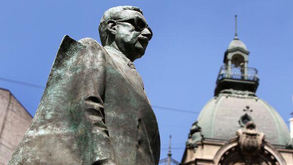 Monumento a Salvador Allende en Santiago - Sputnik Mundo