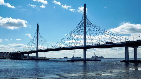 Un puente en San Petersburgo - Sputnik Mundo