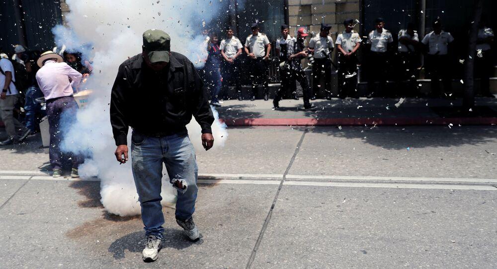 Manifestación frente al edificio del Congreso de Guatemala
