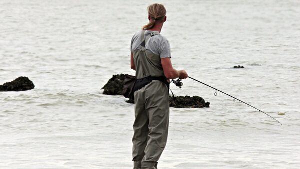 Un pescador y el mar (imagen referencial) - Sputnik Mundo