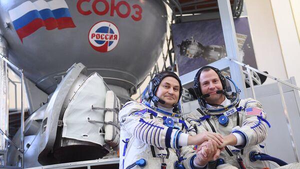 El ruso Alexéi Ovchinin y el estadounidense Tyler Nicklaus 'Nick' Hague - Sputnik Mundo