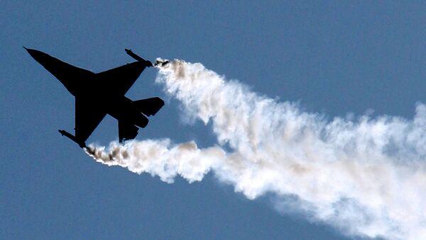 Avion de caza F-16 (imagen referencial) - Sputnik Mundo