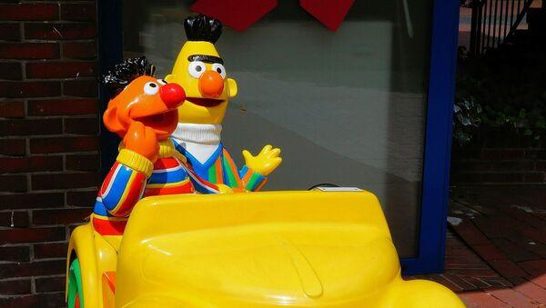 Beto y Enrique (también conocidos como Blas y Epi o Bert y Ernie) de Plaza Sésamo - Sputnik Mundo